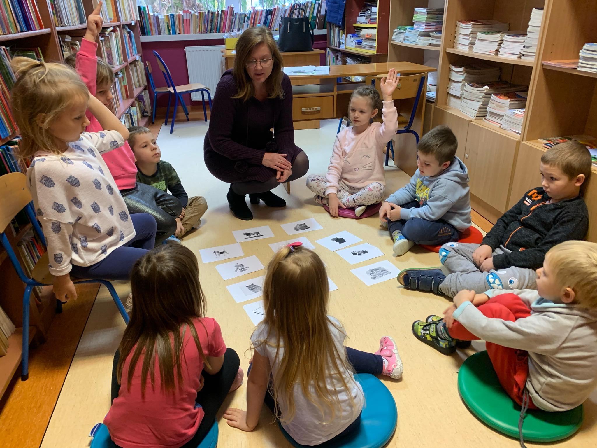 Warsztaty edukacyjne w bibliotece szkolnej