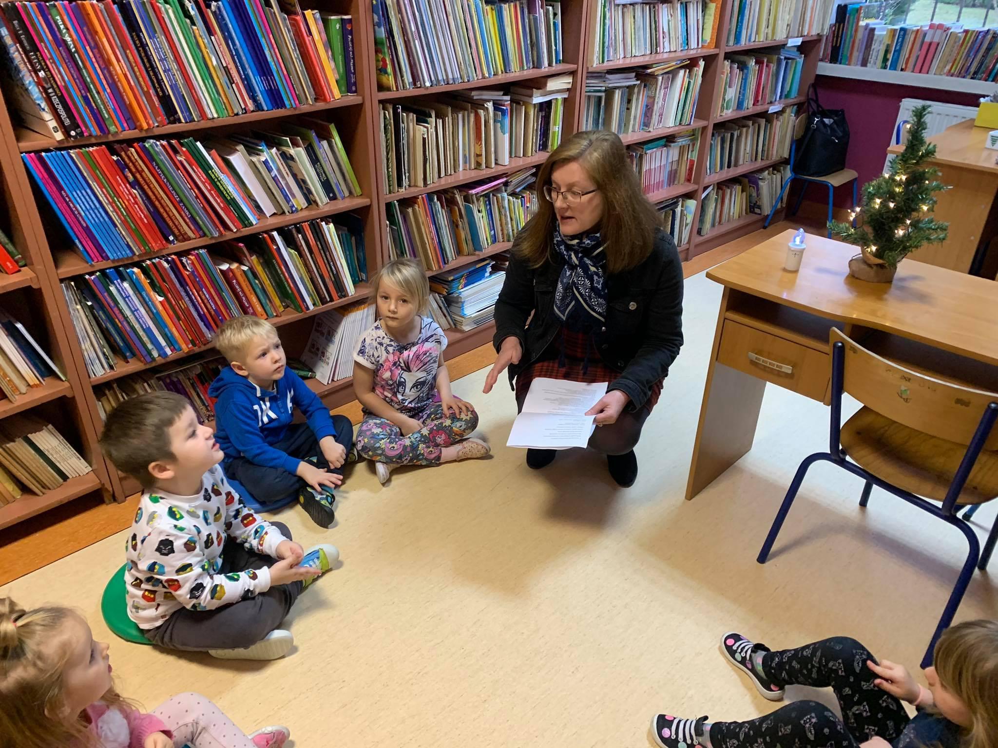 Świąteczna wizyta w bibliotece